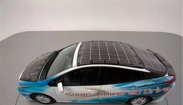 Toyota released a new hydrogen fuel cell vehicles with maximum more than 900 kilometers range